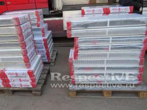 стальные панельные радиаторы Emtas в упаковке на складе